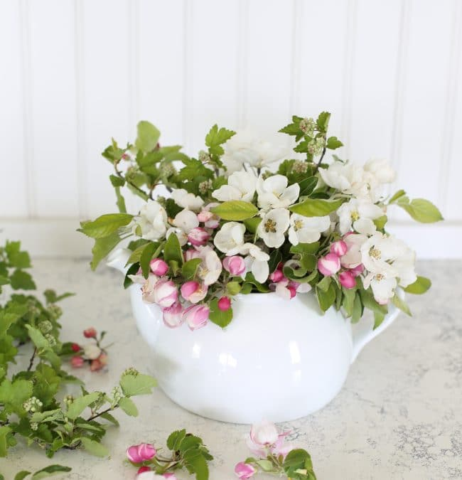 How to Make an Apple Blossom Floral Arrangement