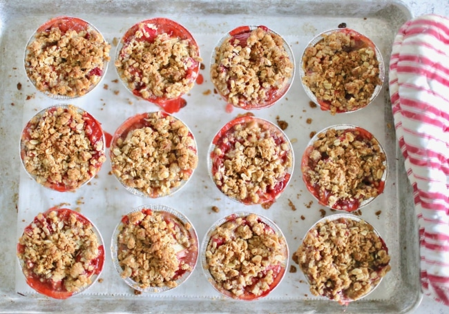 Mini Strawberry Rhubarb Crumble Pies Recipe