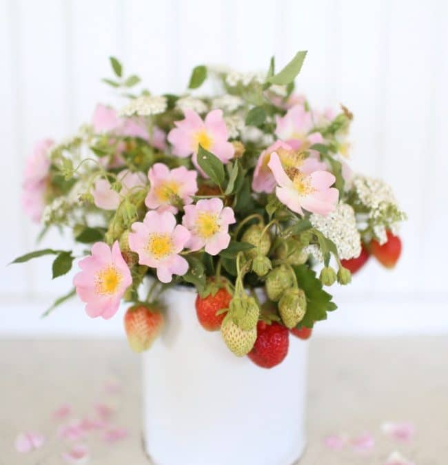 How to Make a Floral Arrangement with Strawberries