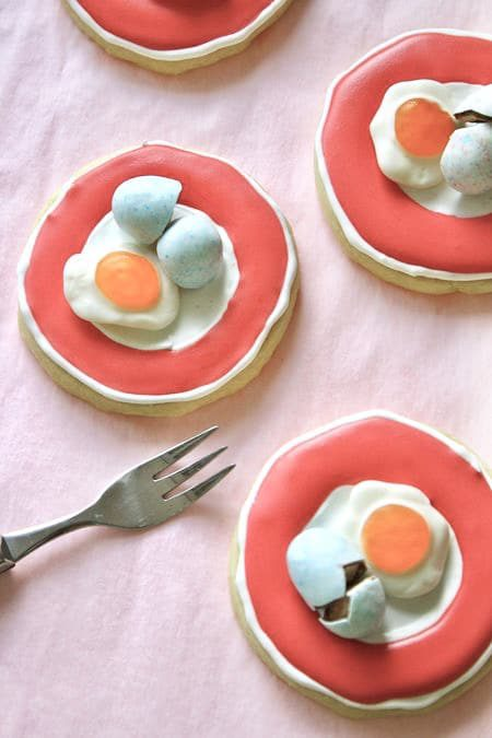 Egg on a Plate Cookies